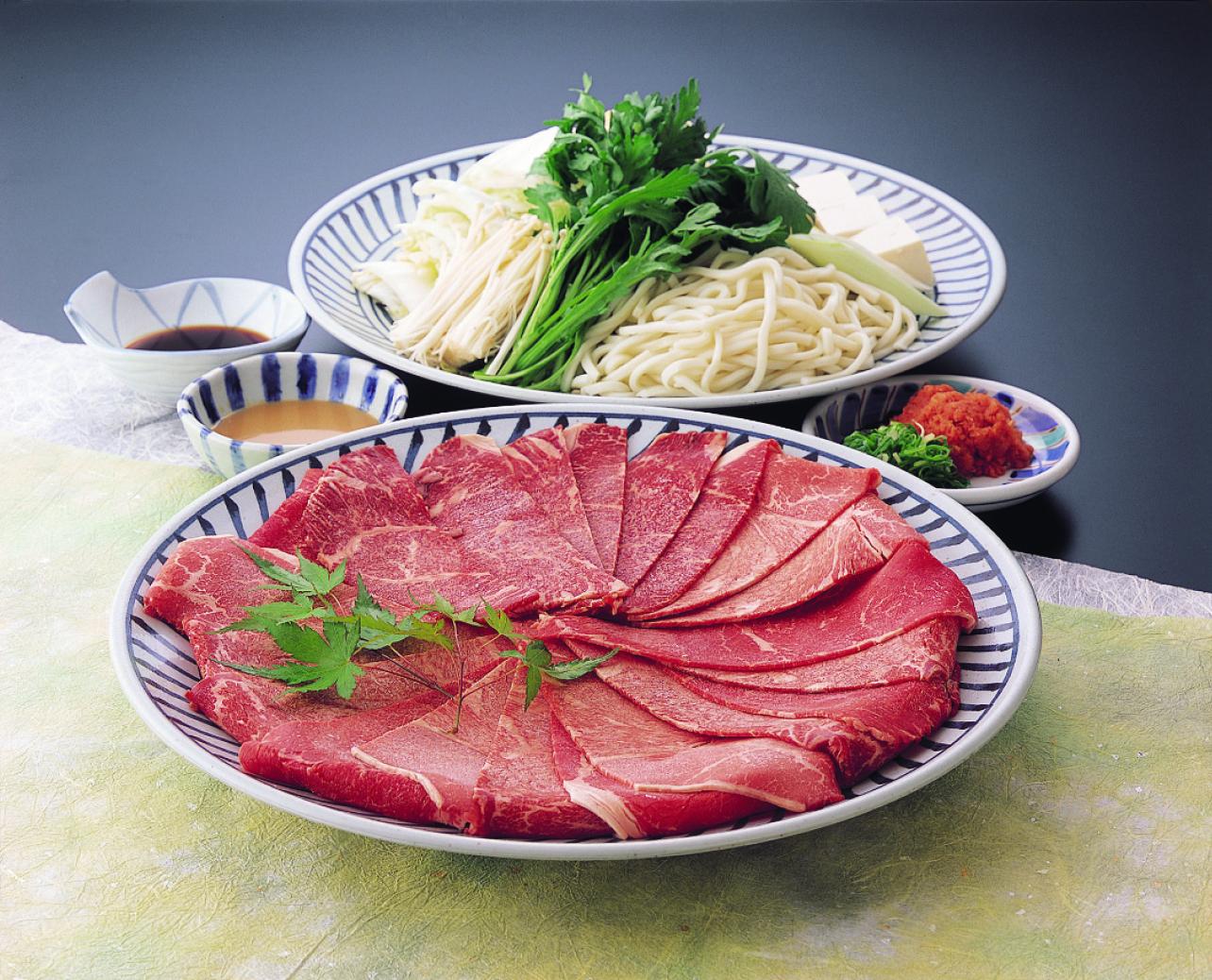 しゃぶしゃぶすき焼き食べ放題¥2,840